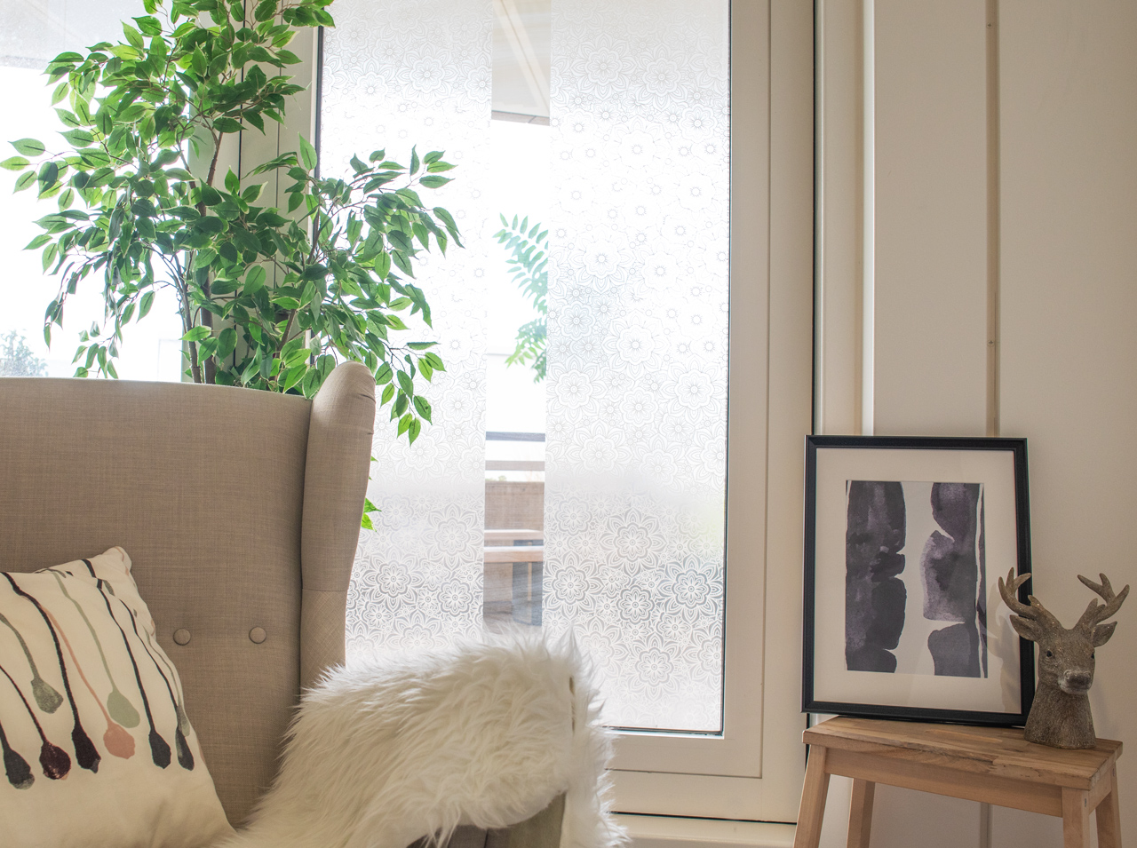 d-c-fix  The best for your windows: decoration and privacy in one!