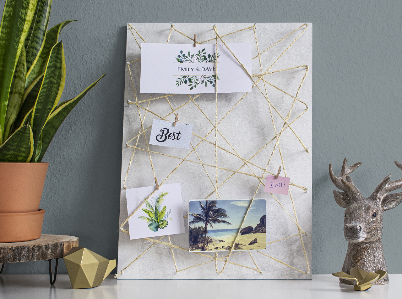 DIY memo board with d-c-fix® Avellino adhesive film for a stone look.